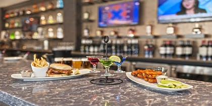 Restaurant | Crowne Plaza Aire MSP Airport - Mall of America