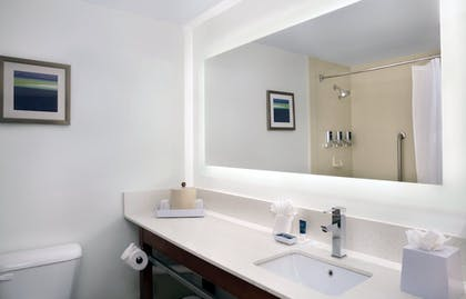 Bathroom | Four Points by Sheraton Fort Lauderdale Airport/Cruise Port