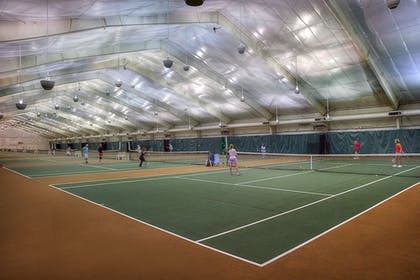 Tennis Court | DoubleTree by Hilton Hotel St. Louis - Chesterfield