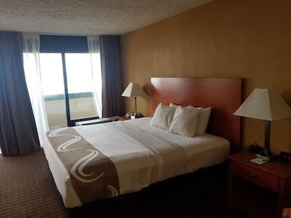 Guestroom   Quality Inn & Suites Conference Center Wilkes Barre