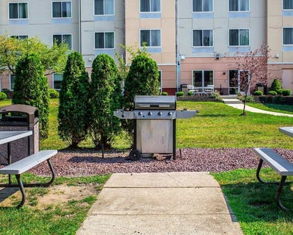 BBQ/Picnic Area   Quality Inn & Suites Conference Center Wilkes Barre