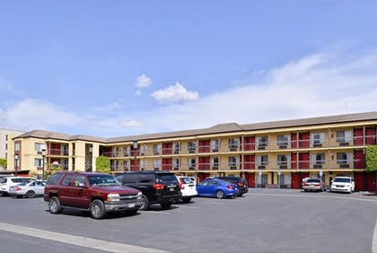 Property Amenity | Best Western Plus Raffles Inn & Suites