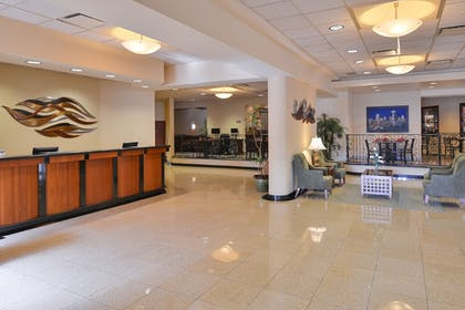 Lobby | Best Western Plus Tacoma Dome Hotel