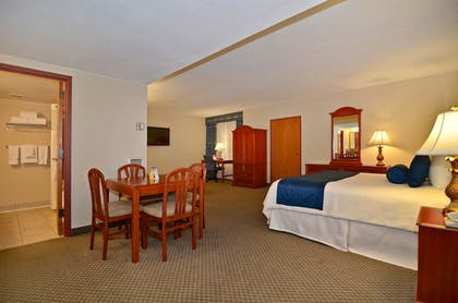 Guestroom | Best Western Plus Tacoma Dome Hotel