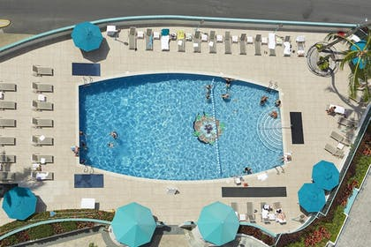 Outdoor Pool | Ilikai Hotel & Luxury Suites