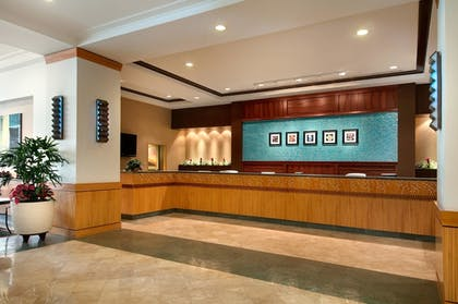 Lobby | Ilikai Hotel & Luxury Suites