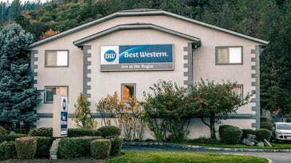 Exterior | Best Western Inn At The Rogue