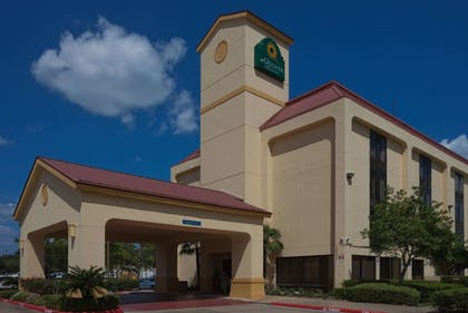 Featured Image | La Quinta Inn & Suites by Wyndham Houston Stafford Sugarland