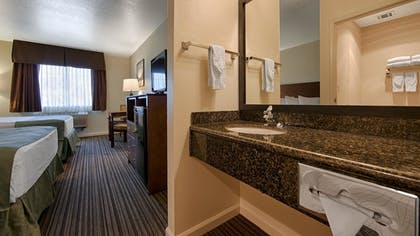 Bathroom | Best Western John Jay Inn