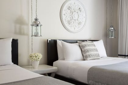 Guestroom | Avalon Hotel and Bungalows Palm Springs