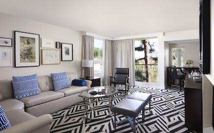 Guestroom | Chamberlain West Hollywood