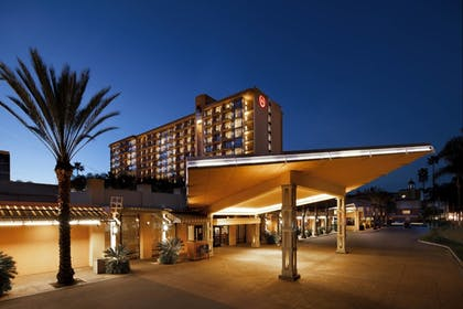 Featured Image | Sheraton Park Hotel at the Anaheim Resort