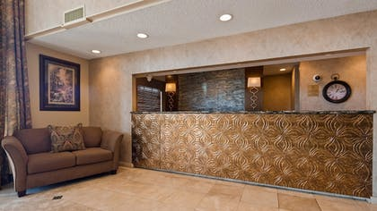 Lobby | Best Western Of Alexandria Inn & Suites & Conference Center