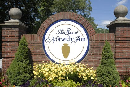 Exterior | The Spa at Norwich Inn