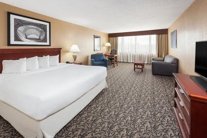 Guestroom |  | Capitol Plaza Hotel Jefferson City