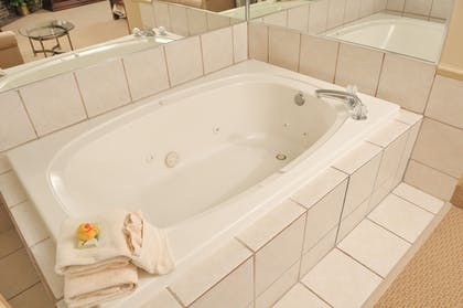 Jetted Tub | Best Western Plus White Bear Country Inn
