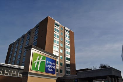 Featured Image | Holiday Inn Express & Suites Pittsburgh West - Greentree