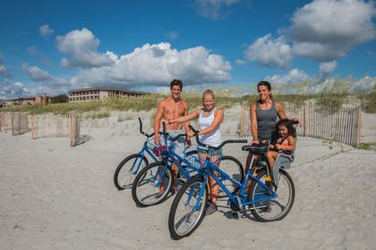 Bicycling | Hilton Head Island Beach & Tennis Resort