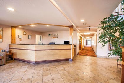 Lobby | Quality Inn And Suites Vancouver
