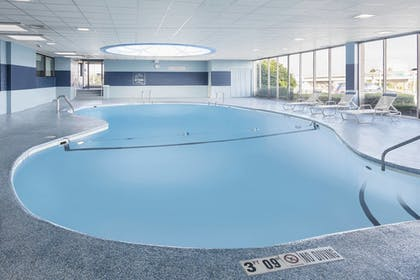 Sports Facility | Four Points by Sheraton Milwaukee Airport