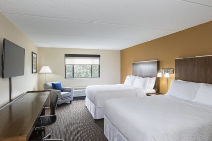 Guestroom | Four Points by Sheraton Milwaukee Airport
