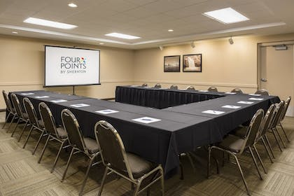 Meeting Facility | Four Points by Sheraton Milwaukee Airport
