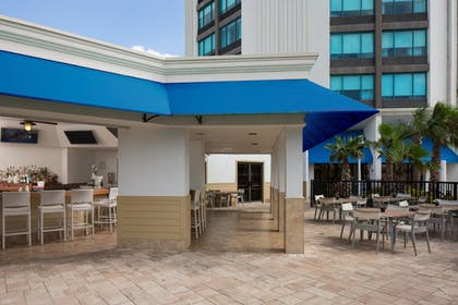 Outdoor Dining | Four Points by Sheraton Orlando International Drive