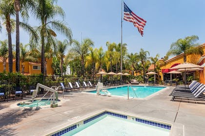 Outdoor Pool | Clementine Hotel & Suites Anaheim