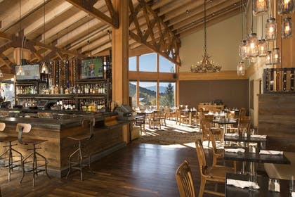 Hotel Bar | Snow King Resort Hotel & Luxury Residences