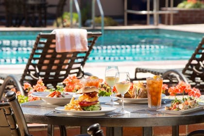 Food and Drink | La Jolla Beach and Tennis Club