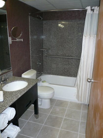 Bathroom | Best Western Plus Murray Hill Hotel and Suites