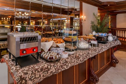 Buffet | Madison Hotel