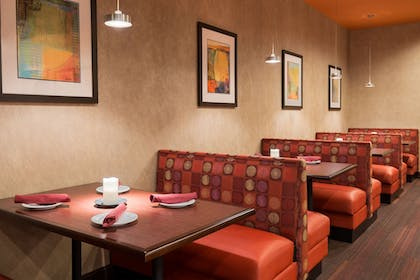Restaurant | Holiday Inn Knoxville-West, I-40 & I-75