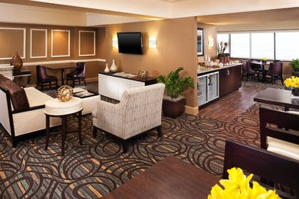 Hotel Bar | Sheraton Suites Chicago O'Hare