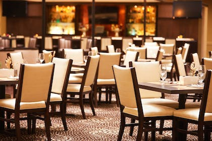 Restaurant | Sheraton Suites Chicago O'Hare