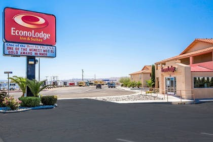 Featured Image | Econo Lodge Inn & Suites near China Lake Naval Station