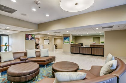 Lobby Sitting Area | Candlewood Suites Richmond - West Broad