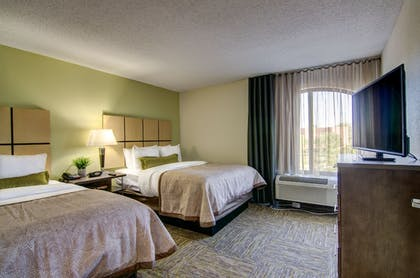 Room | Candlewood Suites Richmond - West Broad