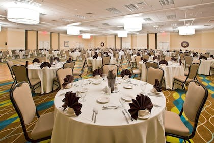 Banquet Hall | Holiday Inn & Suites Across From Universal Orlando