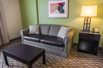 Living Room | Holiday Inn & Suites Across From Universal Orlando