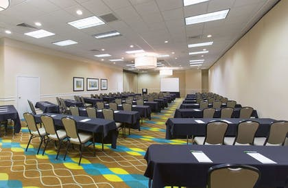 Meeting Facility | Holiday Inn & Suites Across From Universal Orlando