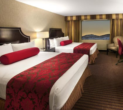 Guestroom | Silver Legacy Resort  Casino at THE ROW