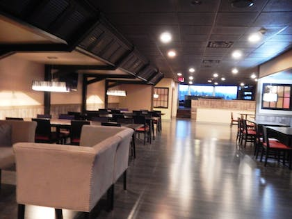 Hotel Bar | Ramada by Wyndham Uniontown