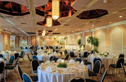 Indoor Wedding | Quality Inn & Suites Port Canaveral Area
