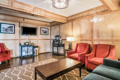 Lobby Lounge | Comfort Inn & Suites Downtown Vancouver