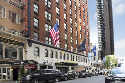 Hotel Front | The Gallivant Times Square