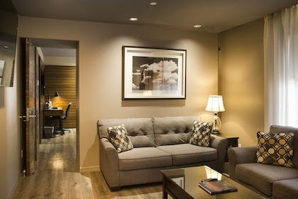 Living Area | The Gallivant Times Square