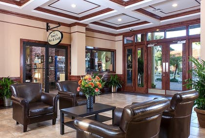 Lobby Sitting Area | Legacy Vacation Resort Orlando-Kissimmee