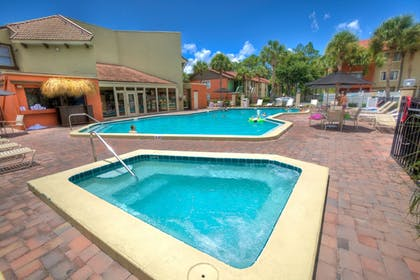 Outdoor Spa Tub | Legacy Vacation Resort Orlando-Kissimmee