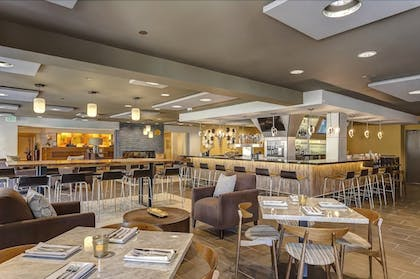 Dining | Toll House Hotel